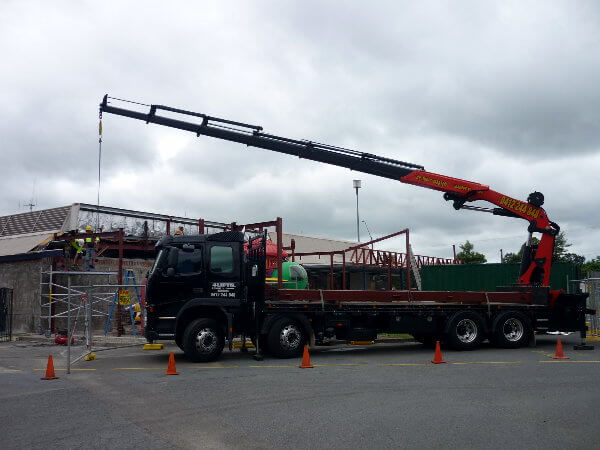 Crane Hire Lifting Service