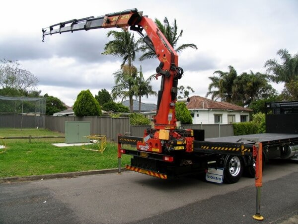 Crane Truck Heavy Loads Lifting Services