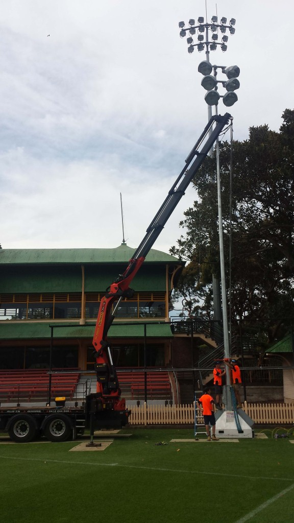Mobile Crane Hire For Stadium